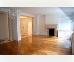 4 Bedrooms, 3 Bathrooms Ultimate Luxury Living on the Upper West Side Beautifully Renovated with original moldings. Close to Riverside Park.